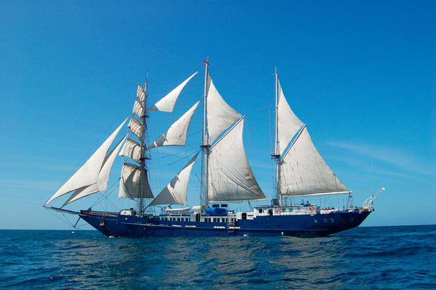 Mary Anne, sailing to the Galapagos
