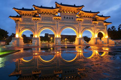 Chiang Kai-shek Memorial Hall and surrounding park is a must-see as is the impressive changing of the guard under the watchful statue in Freedom Square in Taipei