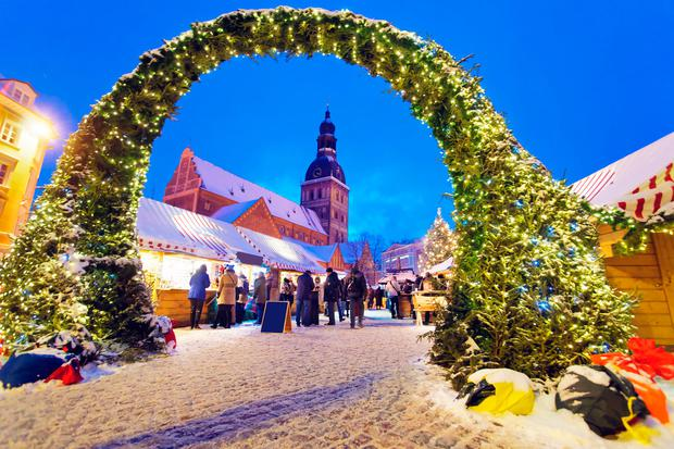 the entrance to the christmas market in rigas old town