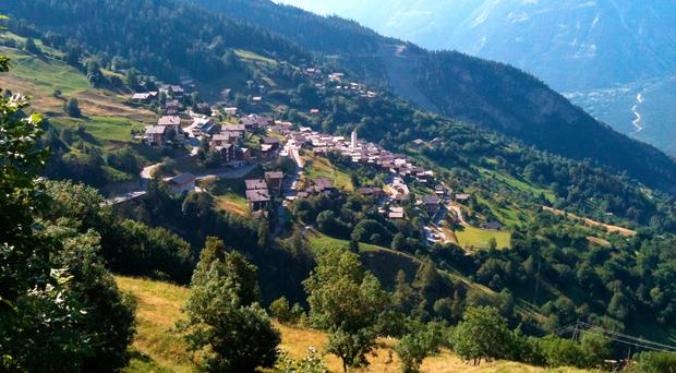 This idyllic Swiss village wants to pay families over €60,000 to move there