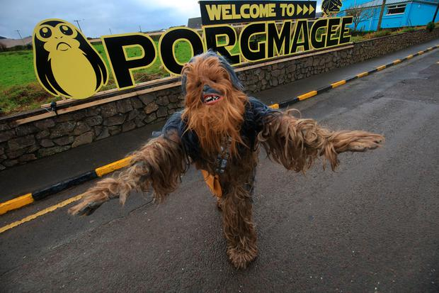 Telling a few 'Porgies'…Local Guide Muiris Walsh of Iveragh Historical Tours dresses as 'Chewbacca' in the newly named 'Porgmagee' (Portmagee) Co Kerry, where Film Stars and crew departed for Skellig Michael, the Location of Star Wars: The Last Jedi. Photo:Valerie O'Sullivan