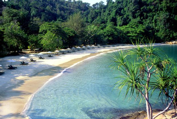 White sands: Pangkor Laut Resort, Emerald Bay