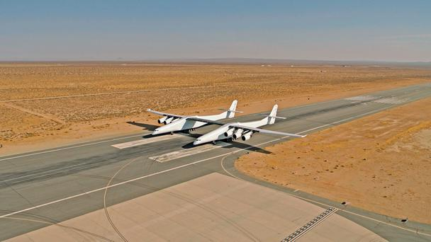 Stratolaunch in the desert in California. Photo: Stratolaunch.com