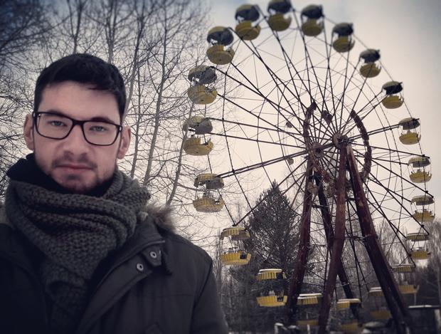 Wayne in front of the iconic ferris wheel in the abandoned city of Pripyat