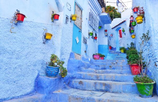 Steps leading to a laneway in Chefchaouen, Morocco. Photo: Pól Ó Conghaile