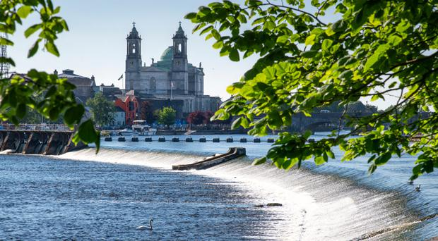 Athlone and the River Shannon. Photo: Chris Hill / Fáilte Ireland