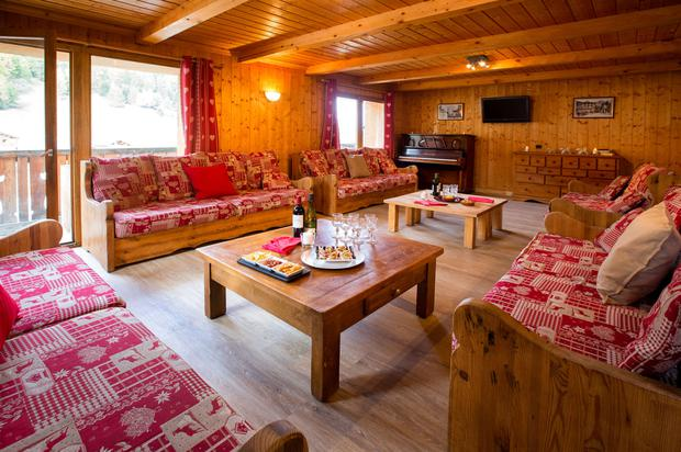 The living room at Chalet Alisier, and yes, the piano is tuned up