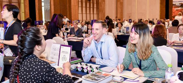 James Kenny (centre) and Steffi Zhang (right), of Tourism Ireland, meet with Chinese buyers in Sanya in southern China. Photo: Tourism Ireland