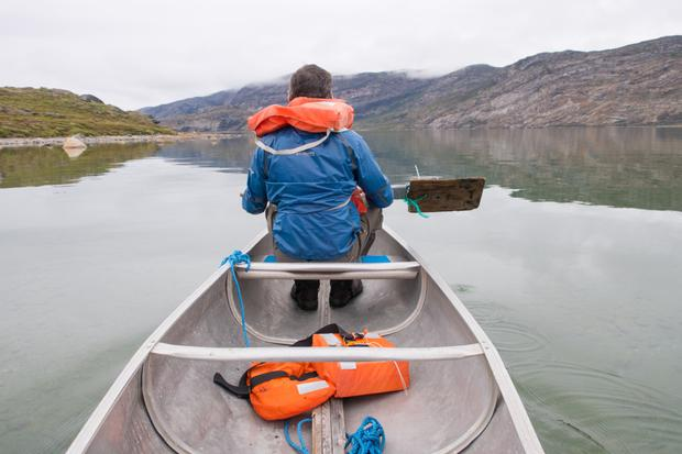 Waterway: It's possible to canoe along some of Lake Amitsorsuaq to give your feet a break