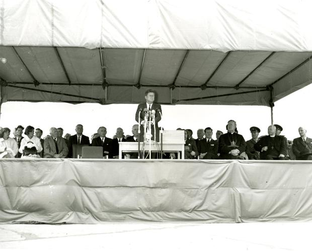 President John F. Kennedy speaking at Shannon Airport in County Clare, Ireland in 1963.jpg