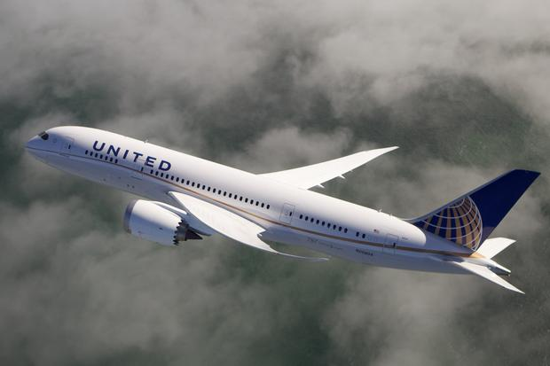 United's Boeing 787-10 Dreamliner