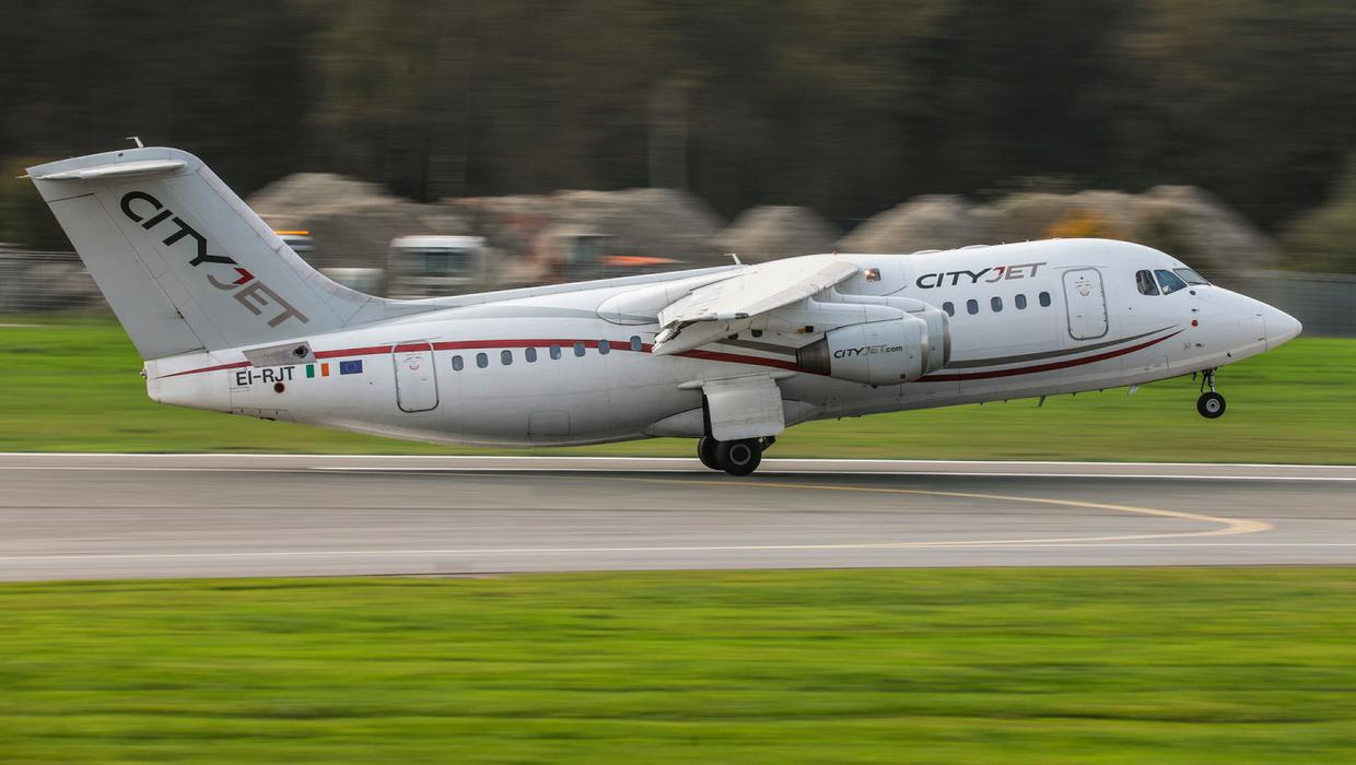 CityJet apologises as 'technical issues' frustrate passengers for ...