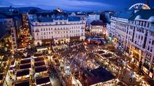 The main Christmas market in Budapest is held in Vörösmarty Square