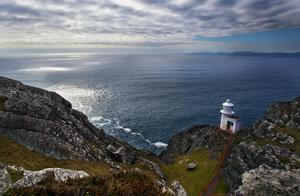 There's an edge-of-the-world feel to the Sheep's Head Lighthouse Loop. Photo: Valerie O'Sullivan