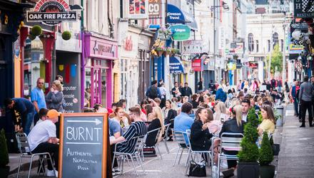 Outdoor dining on Princes St in Cork last summer. Photo courtesy of Visit Cork