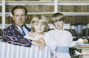 Desmond Guinness in home Leixlip Castle, Co Kildare, Ireland with his children Marina and Patrick
