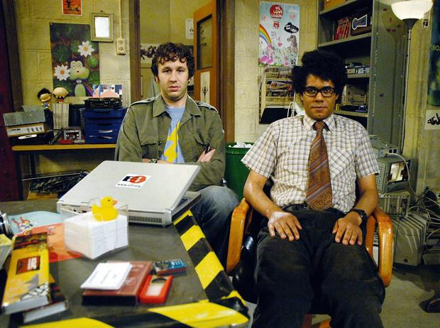 CHRIS O'DOWD AND RICHARD AYOADE IN THE CHANNEL 4 SITCOM THE IT CROWD