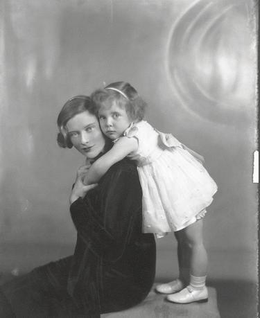 Fairy tale lives or not? The truth about the Guinness sisters' sad