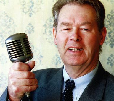 Micheal O Muircheartagh grew up in Dún Síon just outside Dinglein Kerry