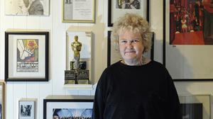 Brenda Fricker with her Best Supporting Actress Oscar.