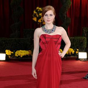 Amy Adams is in talks to star in the new Muppets film