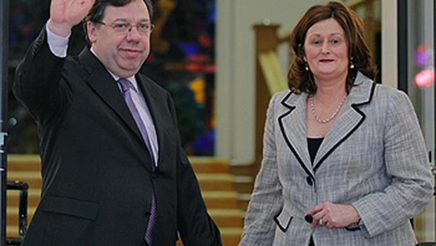 Taoiseach Brian Cowen and his wife, Mary, at Government Buildings after his victory in the Fianna Fail confidence vote last night