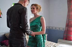 Tommy's family life with Siobhan is jeopardised by his on-off relationship with Debbie.