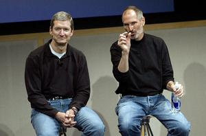 An Alabama native, Cook (left) was hired by Steve Jobs in 1998 following Jobs' return to Apple in 1997 to oversee the manufacturing of Apple computers. Photo: Getty Images