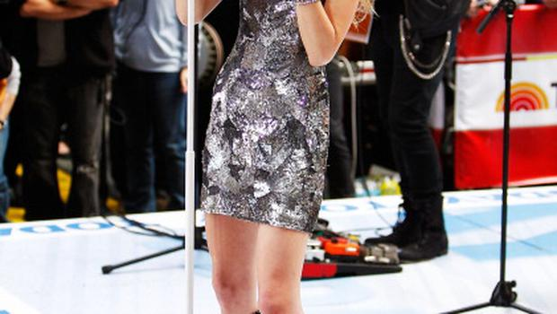 """Singer Taylor Swift performs on NBC's """"Today Show"""" at Rockefeller Center on October 26, 2010 in New York City."""
