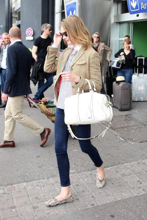 NICE, FRANCE - MAY 12:  Natalia Vodianova arrives at Nice airport on May 12, 2011 in Nice, France.  (Photo by Marc Piasecki/FilmMagic)