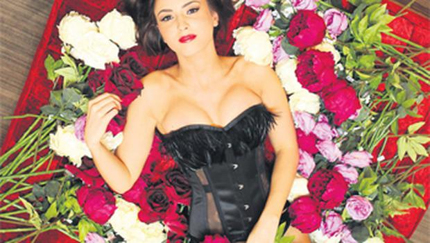 Model Nadia Forde – in Myla Darcey corset (€390) and briefs (€120), and Wolford over-the-knee stockings (€16.93) – showcases some of the latest lingerie available from Brown Thomas this season