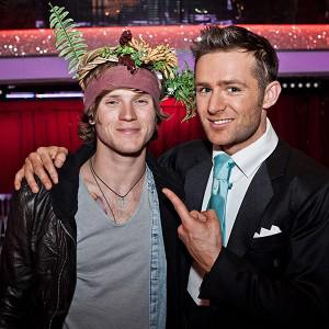 Dougie Poynter paid bandmate Harry Judd a visit on set