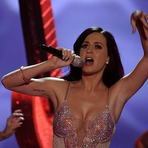 Katy Perry will be singing to US troops