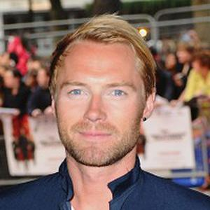 Ronan Keating is to front a radio show