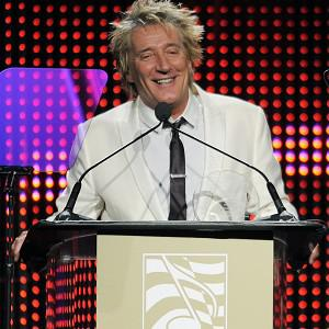 Rod Stewart would like to hook up with the Faces again