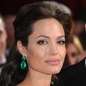 Angelina Jolie will star with Johnny Depp in The Tourist