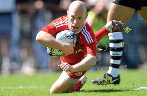 Peter Stringer, Munster , scores his side's fifth try. Photo: Sportsfile