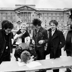 Fans have launched an online campaign to get the Sex Pistols' God Save The Queen to the top of the charts for the Diamond Jubilee