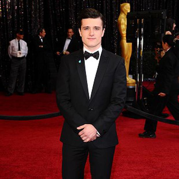 Josh Hutcherson says he can bake a lovely apple pie
