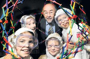MInister for Education Ruairi Quinn with Vickie Ryan, Emma Lucy, Sophie Comerford and Freya O'Hanlon from St Pius X Girls National School in Terenure at the Intel Mini Scientist grand final event yesterday at Intel Ireland's Leixlip Campus. Five teams will pitch their ideas in the competition to find Ireland's next educational entrepreneur. The top prize includes €5,000 in seed funding to develop their business idea. Photo: MARC O'SULLIVAN