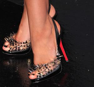 Christina Aguilera wears Louboutin shoes. Photo: Getty Images
