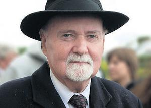Disgraced former Irish Nationwide Building Society boss Michael Fingleton's stake has fallen by almost &euro300,000