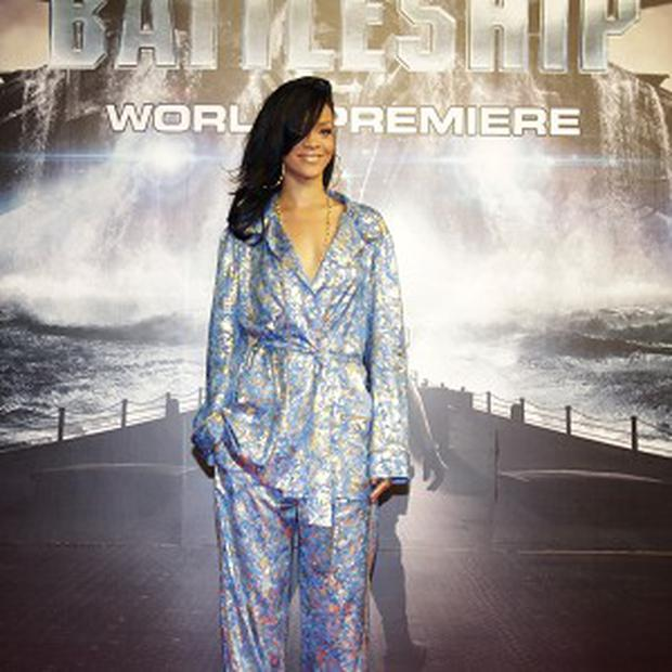 Rihanna wanted to be treated like any other actor, according to Battleship director Peter Berg