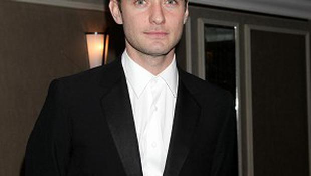Jude Law will voice evil spirit Pitch in the new DreamWorks film Rise Of The Guardians