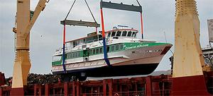 Aran ferry 'Clann na nOilean' being successfully loaded onto the cargo ship, the 'Thor Gitta', in Galway Harbour yesterday