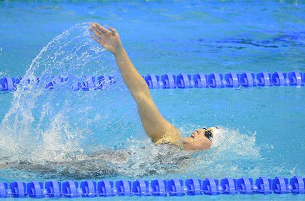 Melanie Nocher, from Hollywood, Co. Down, on her way to achieving Olympic qualification during the Women's 200m Backstroke Final.  Photo: Sportsfile