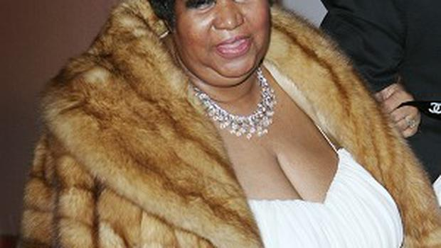 Aretha Franklin is getting married in 2012