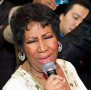 Aretha Franklin sings at her 69th birthday party in New York (AP)