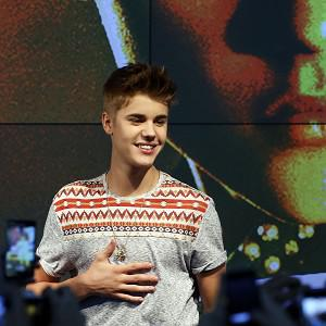 Justin Bieber has been offered an ice hockey try-out
