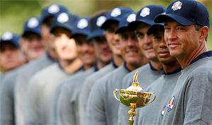Captain Davis Love with the USA team and the Ryder Cup